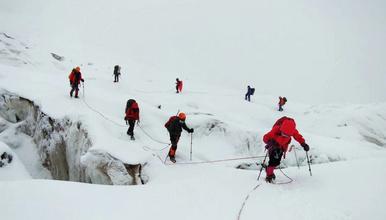 星空户外探险雀儿山 最美的6000米雪山 2019年攀登计划(8日行程)