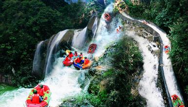 挑战广东最惊险刺激的唯一溶洞老虎谷暗河漂流 英西峰林徒步(1日行程)