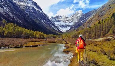 中国十大徒步路线之长毕穿 斯格拉之吻 穿越东方阿尔卑斯(6日行程)