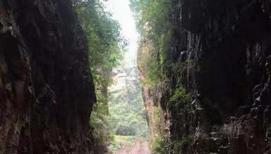 徒步穿越 石虎线|穿越大小石虎山 行走在密林小径 观奇峰怪石(1日行程)