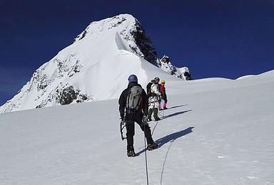 日果冷觉(龙脊)5523米(2019年)登山活动(6日行程)