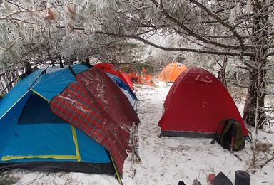 冬天穿神农架经典路线满天雪地来吧 加滑雪 目前已4人(5日行程)