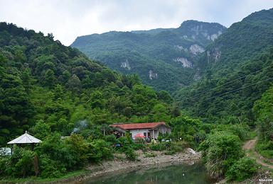 峡谷里的爬行 悬崖上的舞蹈 毛铺峡谷穿越(1日行程)