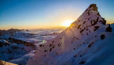 四姑娘山二峰攀登 尝试初级雪山攀登(3日行程)