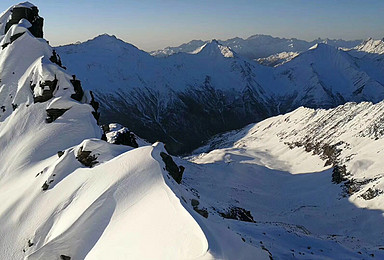 四姑娘山二峰雪山攀登 完成您的雪山攀登梦(3日行程)