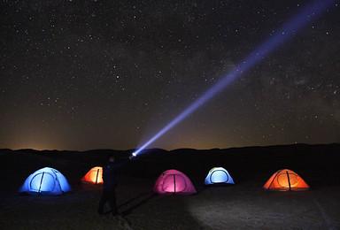 腾格里沙漠星空露营 越野冲浪徒步 烧烤火锅篝火 摩托骆驼滑沙(2日行程)