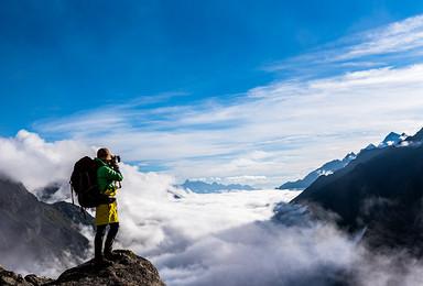 神山之境四姑娘山 穿越四姑娘山经典路线 探访羊满台海子秘境(6日行程)