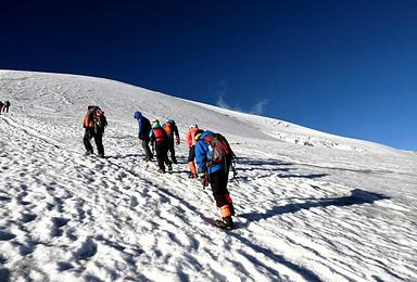 哈巴雪山行走在云端 5396攀登安排(4日行程)