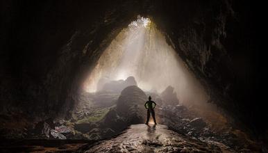 重庆深度洞穴+160米极限绳降+地下暗河探险漂流,(2日行程)