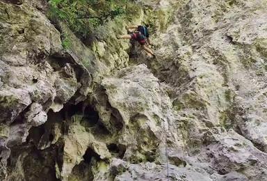 周末野外初级攀岩体验一日游,登峰造极、挑战自我。(1日行程)