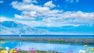 新疆喀纳斯禾木赛里木湖那拉提巴音布鲁克吐鲁番天山魔鬼城五彩滩(10日行程)