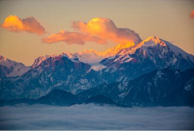 雪山盛宴格聂南线穿越新都桥黑石城措普沟红岩顶四姑娘山丹巴藏寨(8日行程)