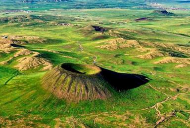 乌兰哈达火山露营 深度探索6座火山 草原露营 探秘历史的遗迹(2日行程)