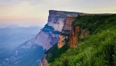 后城赤壁 北方第一丹霞奇观-亚州最大单体岩石-12公里徒步(1日行程)