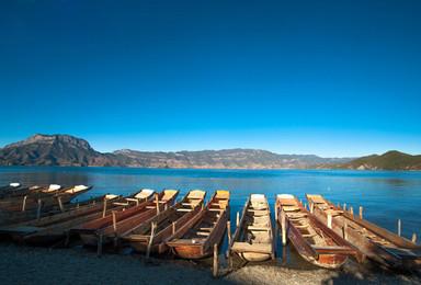 泸沽湖纯玩,乘船游湖,打卡走婚桥,漫步大落水,入住湖景房(2日行程)