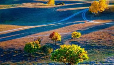 坝上秋歌:乌兰布统、达里湖、金山岭长城、波浪谷、雨岔大峡谷(9日行程)