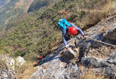 [秘境清远*黄花石寨]勇攀广东第二险峰,体验荒野攀岩(1日行程)