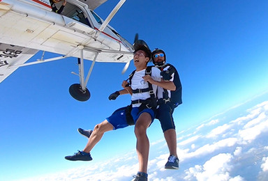 福建三明市沙县高空跳伞[4000米高度+55秒自由落体](1日行程)