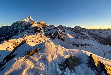 初级雪山攀登 四姑娘山大峰攀登 每天出发(3日行程)