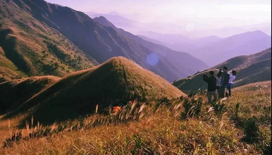 惠州大南山大草坡穿越、满山遍野芦苇荡下摄影、云中漫步斧头石(1日行程)
