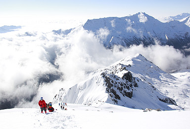 雪峰攀登 四姑娘山大海子露营 二峰攀登 1 2协作(6日行程)