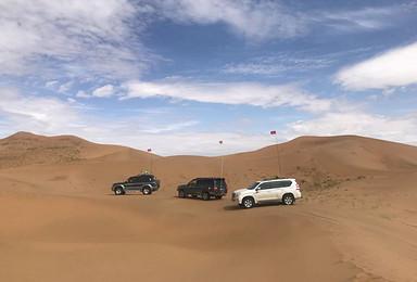 腾格里沙漠越野车 、徒步穿越户外活动(3日行程)