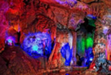十渡仙西山 挑战玻璃栈道 探秘钟乳石水溶洞 体验式划竹筏(1日行程)