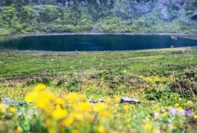 四川十二湖穿越 天人合一的秘境 莫斯卡 金川情人海 深度穿越(7日行程)