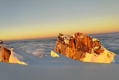 攀登人生第一座哈巴雪山1比1协助 为你的攀登保驾护航(4日行程)