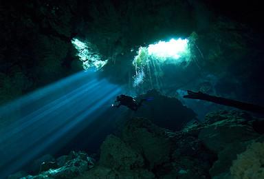 [暗黑深渊—洞穴潜水寻宝探秘]世界顶级探险,窥探水下世界(3日行程)