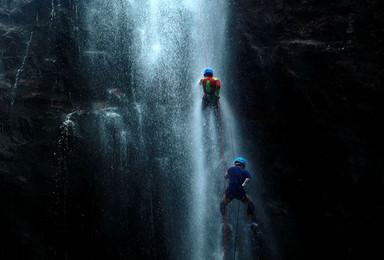 [星空露营][刺激瀑降][跳水溯溪]夏日玩水季,探索萤火虫谷(2日行程)